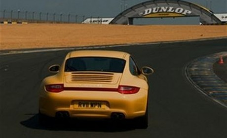 Porsche 911 Carrera 4S at Le-Mans