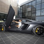 Jonah Lomu in the driving seat of the new Lamborghini Aventador
