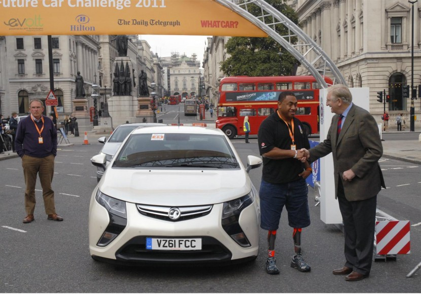 Heroes help Vauxhall with Ampera drive