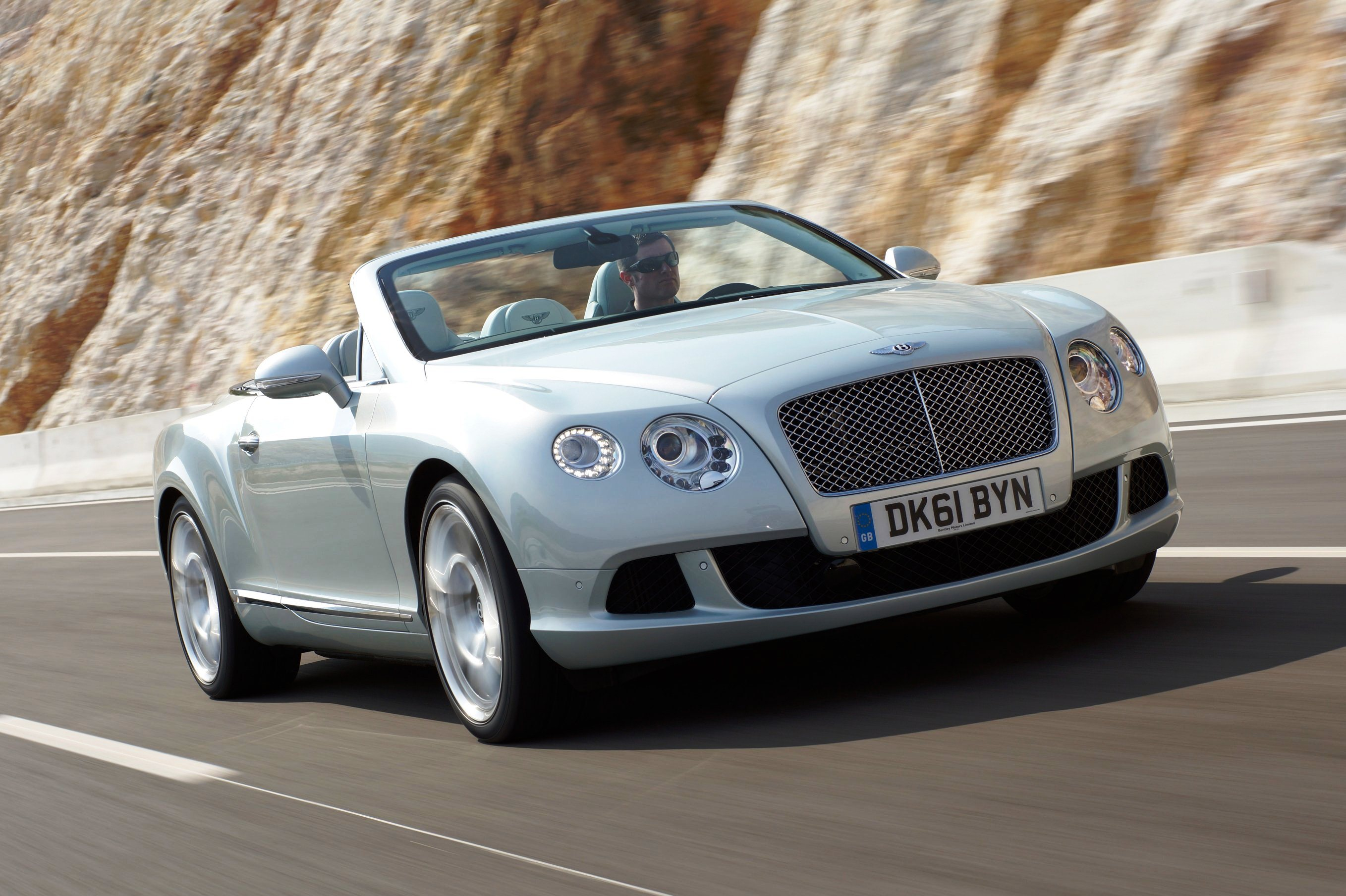 autogespot bentley coup coupe june crop new continental supersports