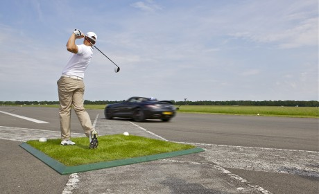 Video: SLS AMG Roadster and the hole in one golf shot