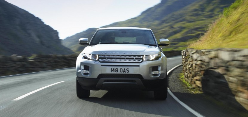 Land Rover receive double honours at Auto Express Awards
