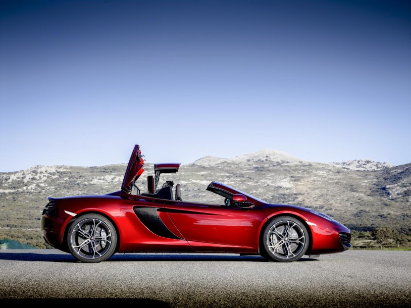 McLaren take on Ferrari 458 Spider with 12C Spider folding hard top