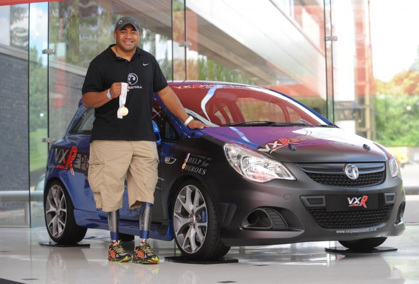 Help for Heroes Ambassador and gold medal winner visits Vauxhall on Armed Forces Day