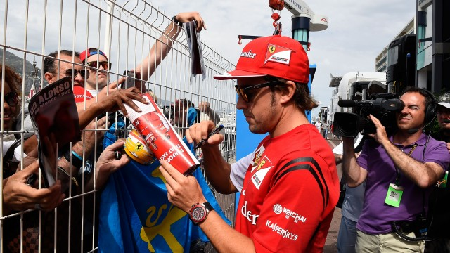 Alonso meets the Monaco Ferrari F1 fans