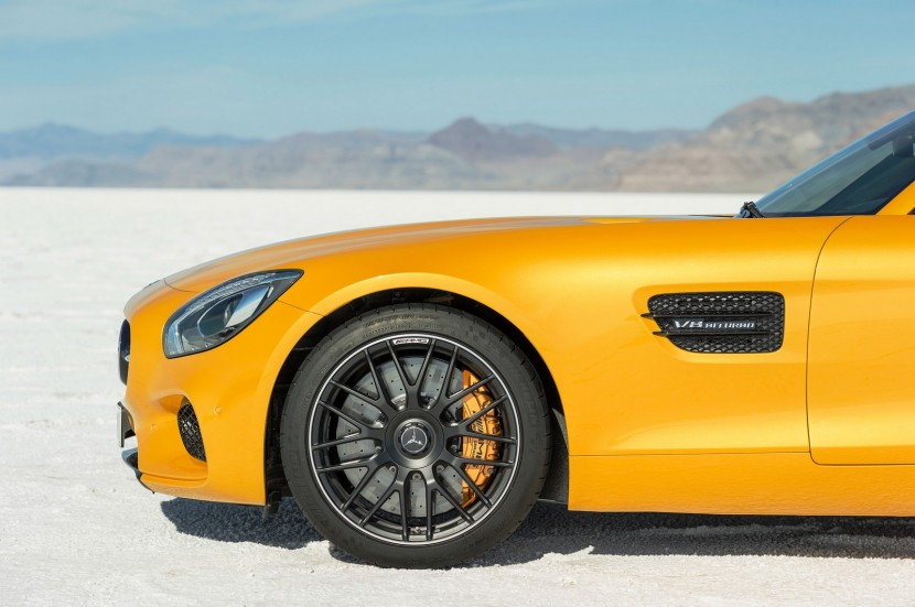Mercedes show their new AMG GT – deliveries begin in 2015