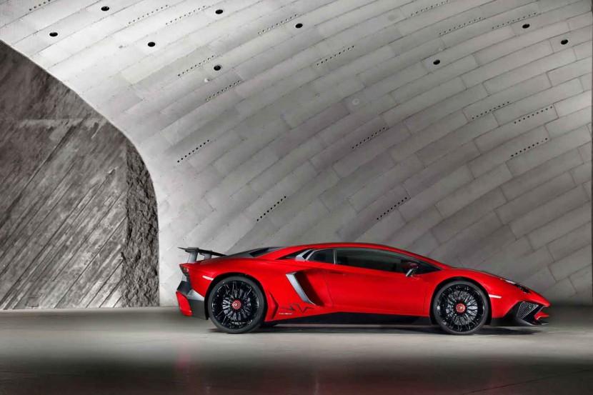 Lamborghini Aventador LP 750-4 SV laps Nürburgring in under 7m Onboard